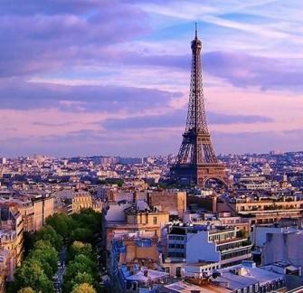 Септемврийски празници в Париж - със самолет от София