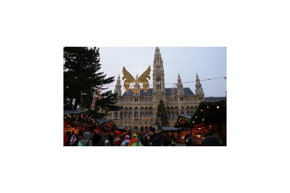 Предколедна Виена - с полет от Варна